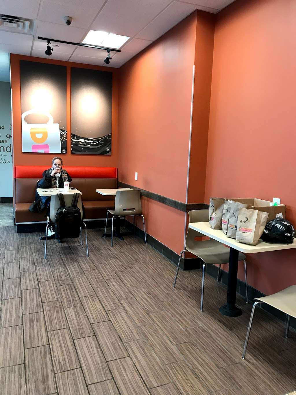 Dunkin Donuts - cafe  | Photo 5 of 10 | Address: 500 Ave at Port Imperial, Weehawken, NJ 07086, USA | Phone: (201) 766-1432