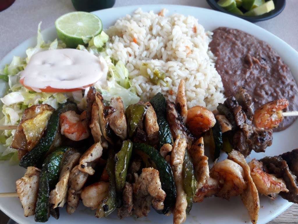Sabor Centroamericano - restaurant  | Photo 8 of 10 | Address: 1304 Central Ave, Kansas City, KS 66102, USA | Phone: (913) 261-9181