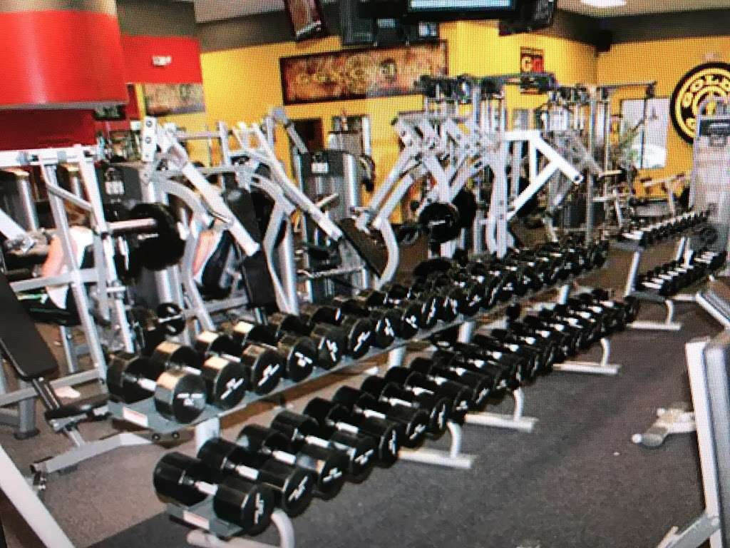 Golds Gym - gym    Photo 10 of 10   Address: 100 Hollister Rd, Teterboro, NJ 07608, USA   Phone: (201) 288-6000