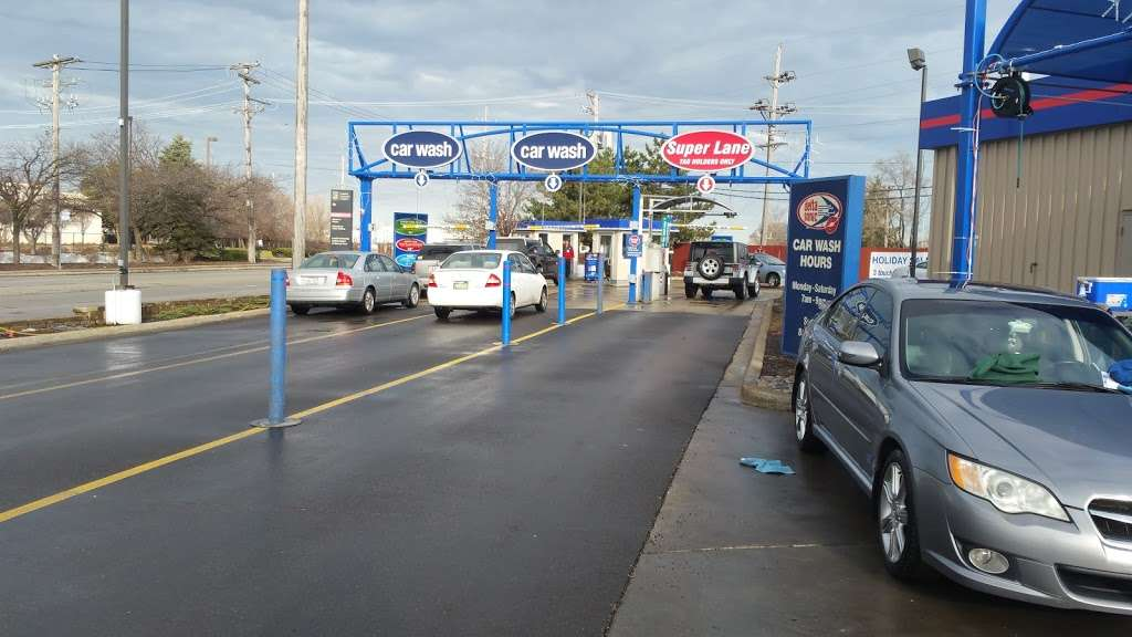 Delta Sonic Car Wash - car wash  | Photo 6 of 10 | Address: 8490 W North Ave, Melrose Park, IL 60160, USA | Phone: (708) 615-1788
