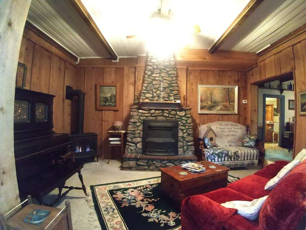 Mad Creek Guesthouse - lodging  | Photo 1 of 2 | Address: 167 W Park Ave, Empire, CO 80438, USA | Phone: (303) 569-2003
