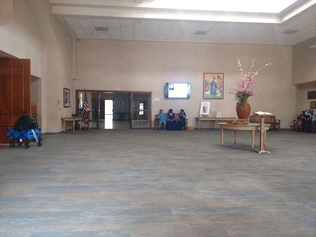 Good Shepherd Catholic Church - church  | Photo 4 of 10 | Address: 12800 W 75th St, Shawnee, KS 66216, USA | Phone: (913) 631-7116