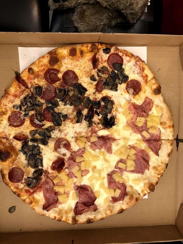 Goodfellas Pizzeria NJ - restaurant  | Photo 4 of 10 | Address: 255 Hackensack St, Wood-Ridge, NJ 07075, USA | Phone: (201) 933-0833