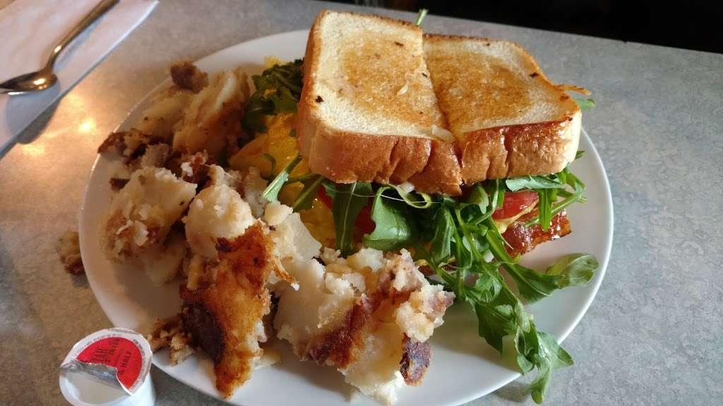 Annamaries Place - restaurant  | Photo 7 of 10 | Address: 347 Main St, Royersford, PA 19468, USA | Phone: (610) 948-0590