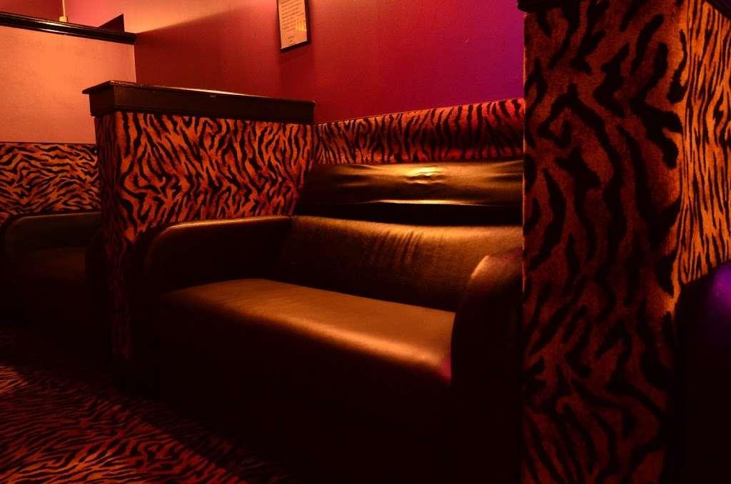 The Oasis - night club  | Photo 4 of 10 | Address: 6798 Essington Ave, Philadelphia, PA 19153, USA | Phone: (215) 937-0200
