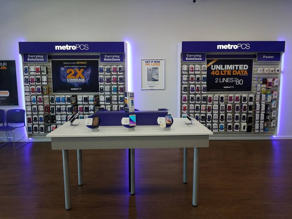 Metro by T-Mobile - electronics store  | Photo 2 of 4 | Address: 4618 W State St, Boise, ID 83703, USA | Phone: (208) 810-4030