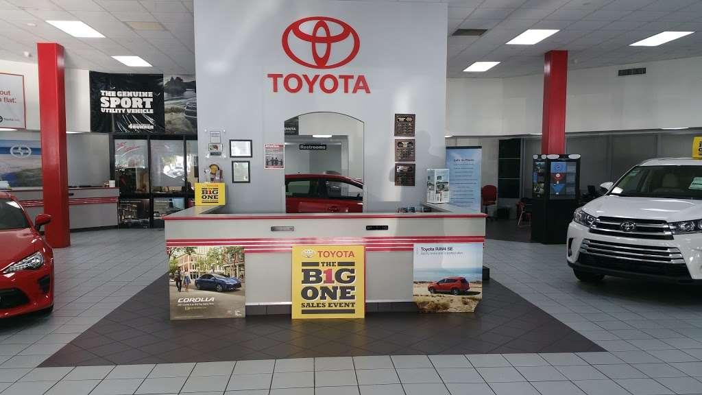 Palm Beach Toyota - car dealer  | Photo 8 of 10 | Address: 200 S Congress Ave, West Palm Beach, FL 33406, USA | Phone: (561) 701-9306