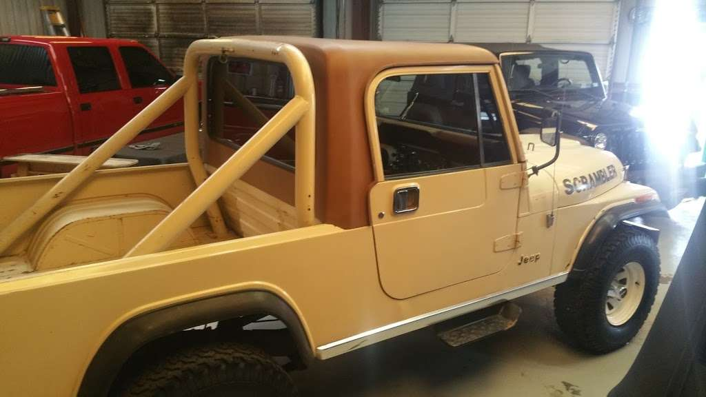 AutoQuest Jeeps - car dealer    Photo 3 of 5   Address: 410 W Canino Rd, Houston, TX 77037, USA   Phone: (832) 473-7588