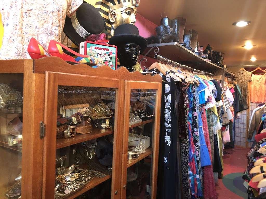 Empress Vintage - clothing store    Photo 4 of 10   Address: 1757 Alcatraz Ave, Berkeley, CA 94703, USA   Phone: (510) 542-6196