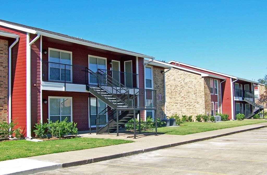 St James Village - real estate agency  | Photo 8 of 10 | Address: 3815 W Fuqua St, Houston, TX 77045, USA | Phone: (713) 434-2225