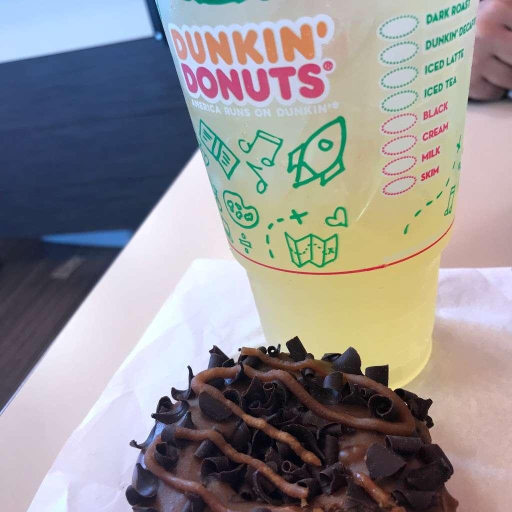 Dunkin Donuts - cafe  | Photo 9 of 10 | Address: 107-11/15 Rockaway Blvd, Ozone Park, NY 11417, USA | Phone: (718) 835-3682