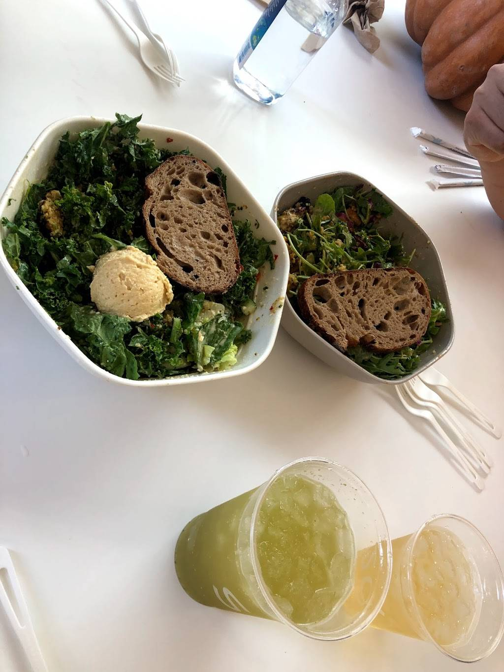 sweetgreen - meal takeaway  | Photo 3 of 8 | Address: 180 South La Brea Ave, Los Angeles, CA 90036, USA | Phone: (310) 340-6050