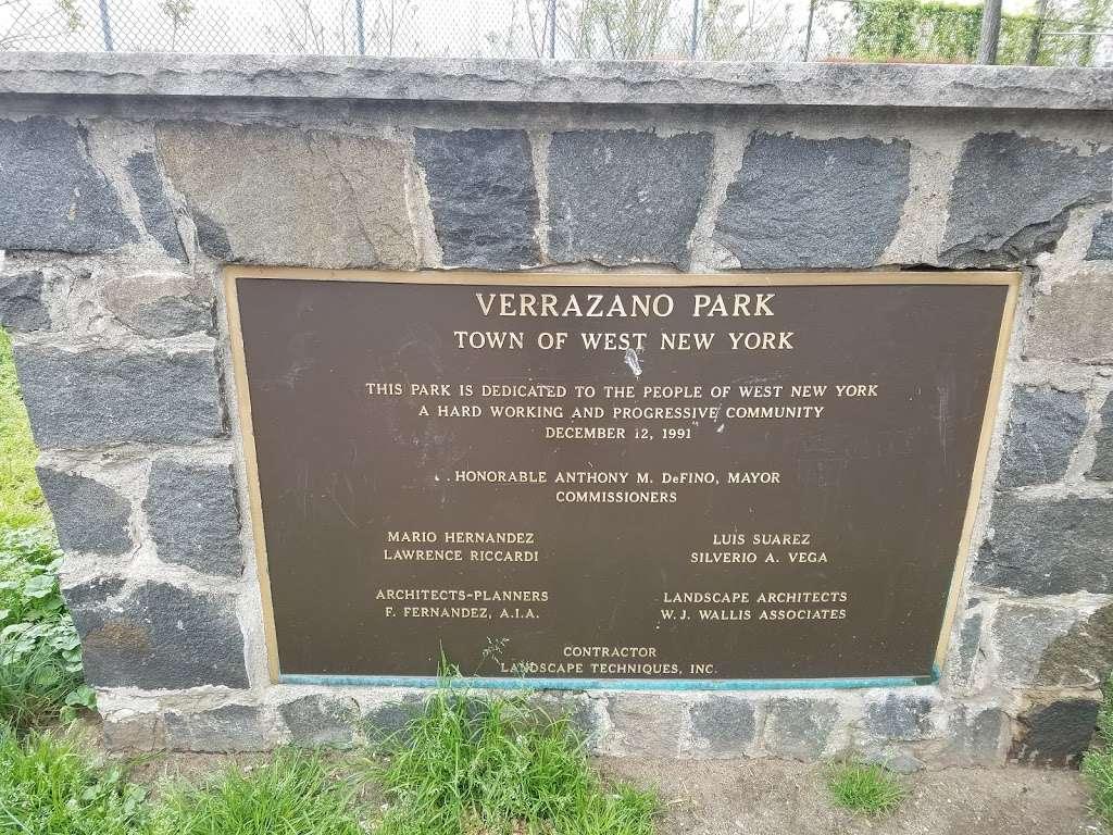 Verrazano Park - park  | Photo 3 of 4 | Address: 6400 John Fitzgerald Kennedy Blvd, West New York, NJ 07093, USA