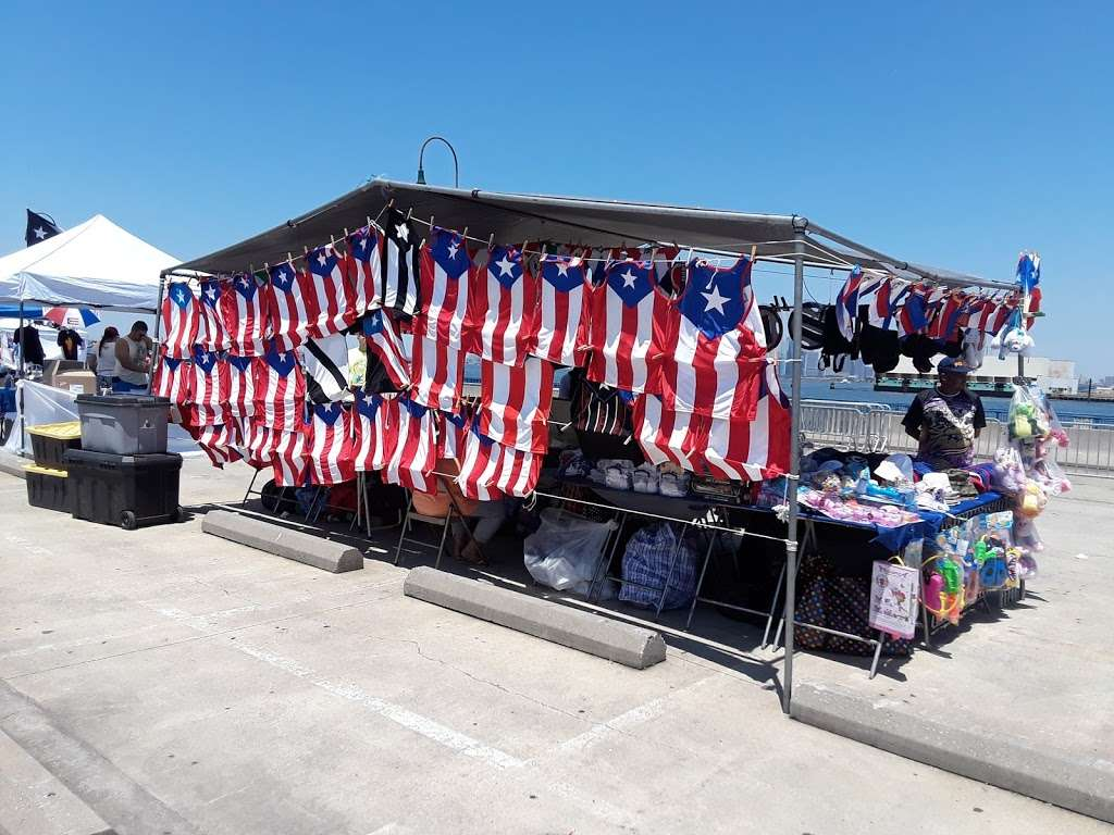 Sunset Park/Brooklyn Army Terminal - transit station  | Photo 3 of 10 | Address: Brooklyn, NY 11220, USA