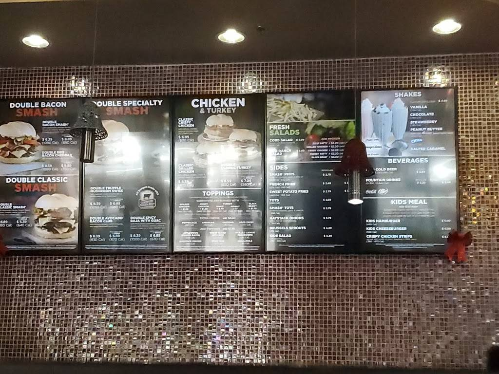 Smashburger - restaurant  | Photo 5 of 10 | Address: 1611 Haan Rd, El Paso, TX 79906, USA | Phone: (915) 565-9464