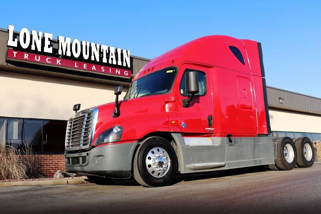 Lone Mountain Truck Leasing - store  | Photo 5 of 6 | Address: 200 Owen Pkwy Cir, Carter Lake, IA 51510, USA | Phone: (866) 512-5685