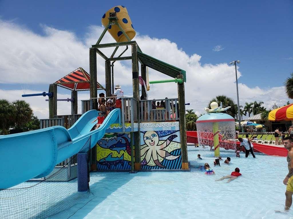 Grapeland Water Park - amusement park  | Photo 6 of 10 | Address: 1550 NW 37th Ave, Miami, FL 33125, USA | Phone: (305) 960-2950