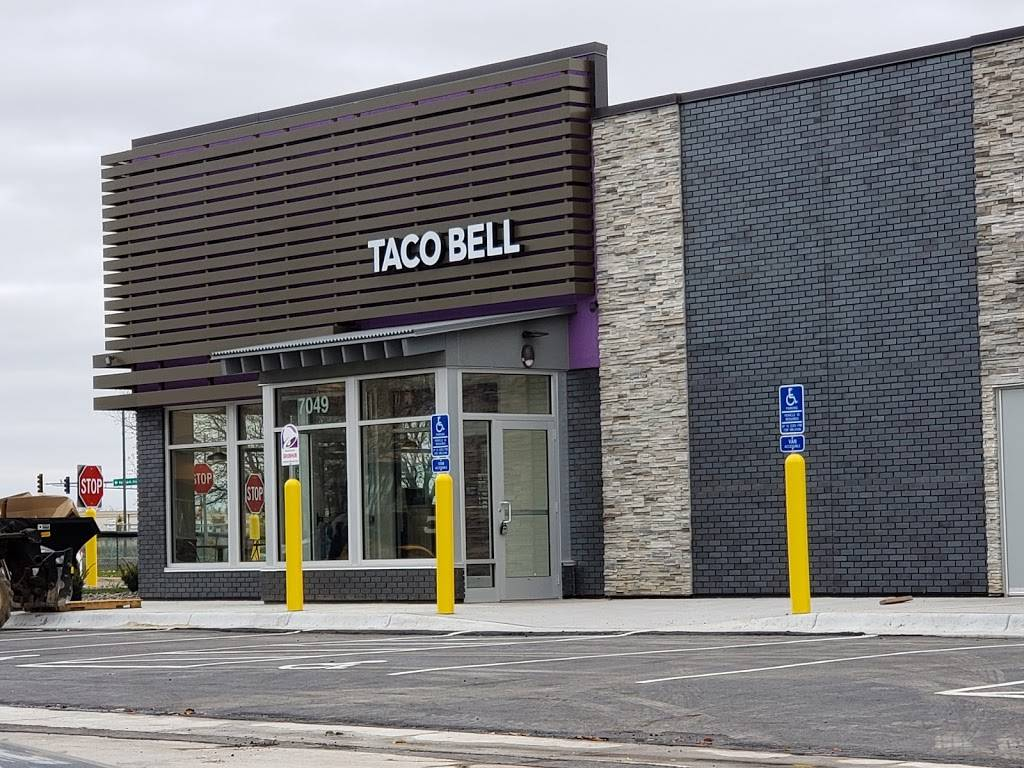 Taco Bell - meal takeaway  | Photo 1 of 10 | Address: 7049 10th St N, Oakdale, MN 55128, USA | Phone: (763) 273-5504