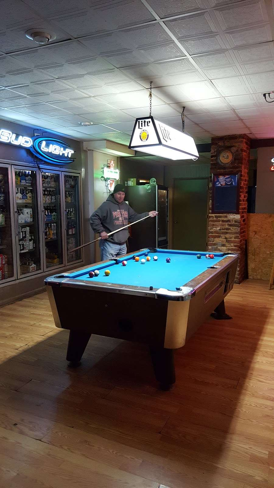 The Corner House Tavern - restaurant    Photo 8 of 10   Address: 24509 E Main St, Columbus, NJ 08022, USA   Phone: (609) 298-8543