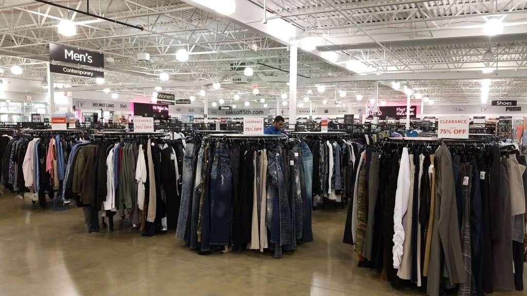 Saks OFF 5TH - department store  | Photo 1 of 10 | Address: 1650 Premium Outlet Blvd #1600, Aurora, IL 60502, USA | Phone: (331) 212-3950