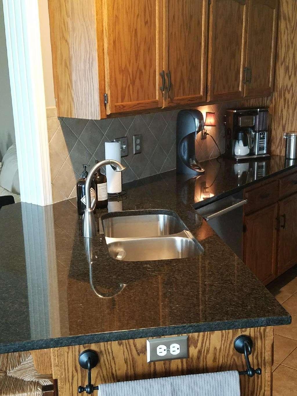 Granite Designers - home goods store    Photo 9 of 10   Address: 5031 Welborn Ln, Kansas City, KS 66104, USA   Phone: (913) 602-7613