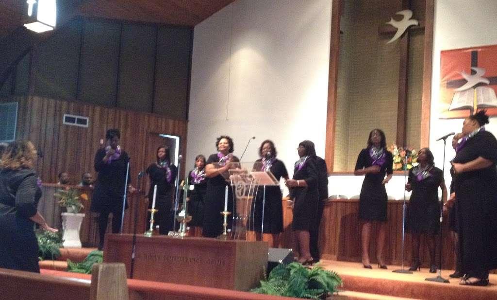 Mt. Zion Christian Ministries - church  | Photo 4 of 10 | Address: 1019 Scaleybark Rd, Charlotte, NC 28209, USA | Phone: (704) 525-9866