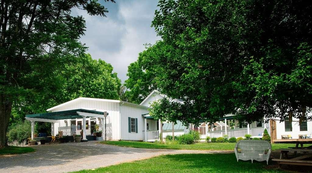 Village Montessori School - school  | Photo 5 of 10 | Address: 33874 Snickersville Turnpike, Bluemont, VA 20135, USA | Phone: (540) 454-7514