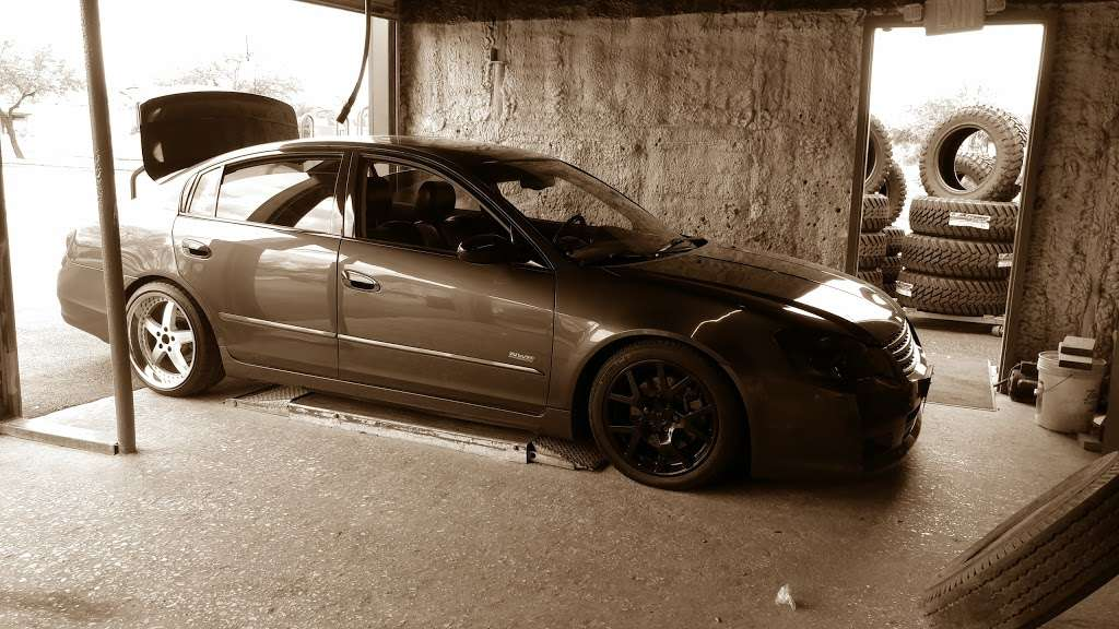 610 Wheels & Tires - car repair  | Photo 7 of 10 | Address: 13101 S Post Oak Rd, Houston, TX 77045, USA | Phone: (713) 726-8473