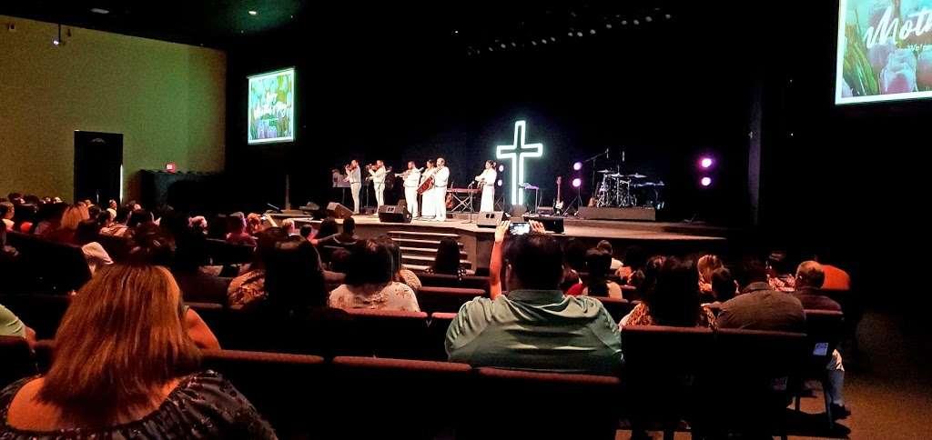 Templo de Alabanza - church    Photo 9 of 9   Address: 4710 W Illinois Ave, Dallas, TX 75211, USA