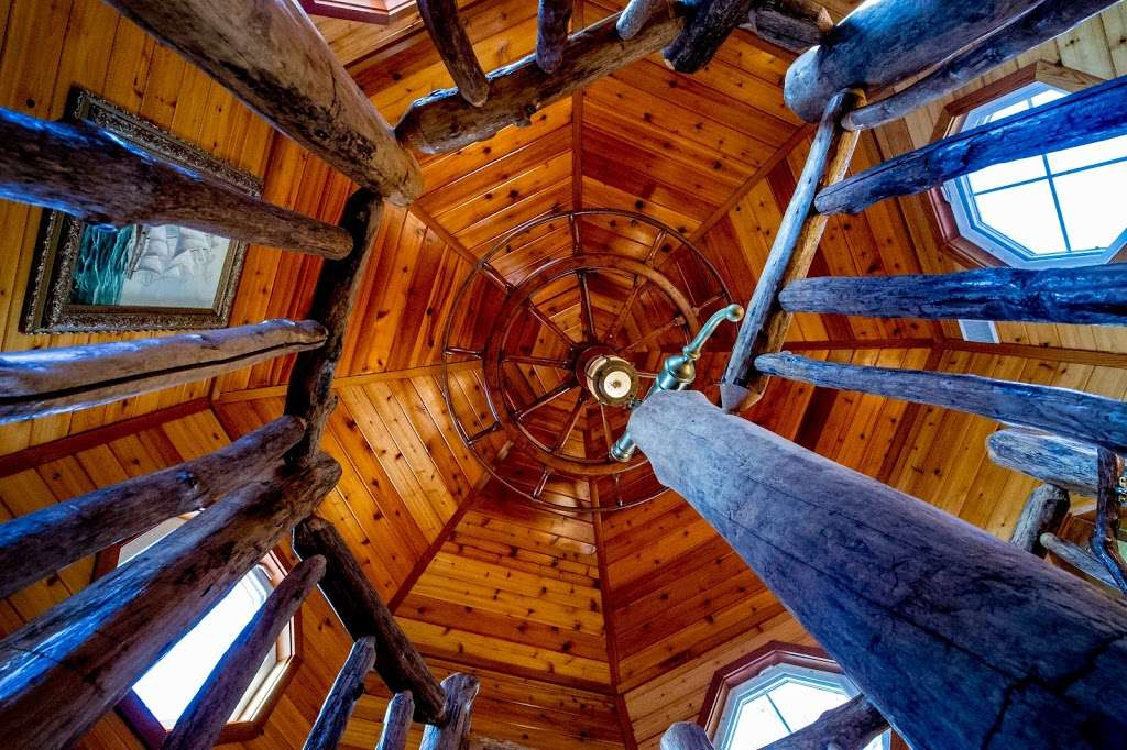 Red Point Lighthouse Vacation Rentals - real estate agency    Photo 5 of 10   Address: 115 S Main St, North East, MD 21901, USA   Phone: (443) 553-5363