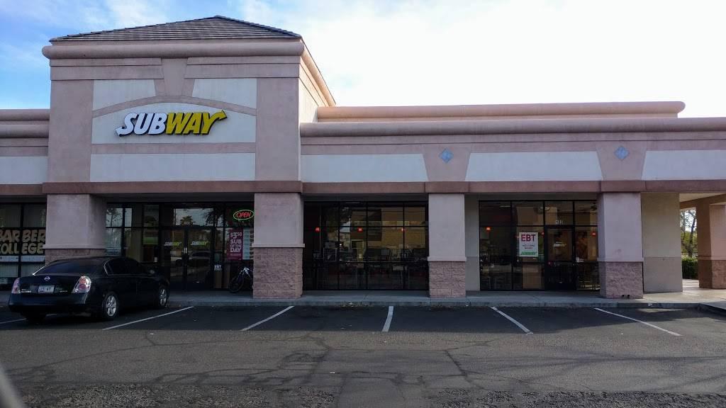 Subway - meal takeaway  | Photo 1 of 7 | Address: 1561 N Cooper Rd, Gilbert, AZ 85233, USA | Phone: (480) 926-1142