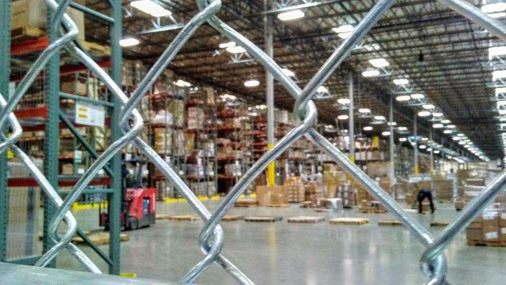 Essendant - Perris Distribution Center - storage    Photo 8 of 9   Address: 4555 Redlands Ave, Perris, CA 92571, USA   Phone: (951) 436-3999