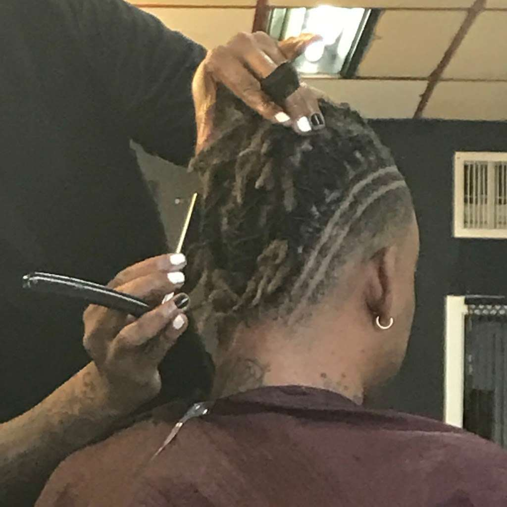 Rock-n-Headz Locs and more - hair care  | Photo 9 of 10 | Address: 4915 Griggs Rd, Houston, TX 77021, USA | Phone: (713) 585-6649