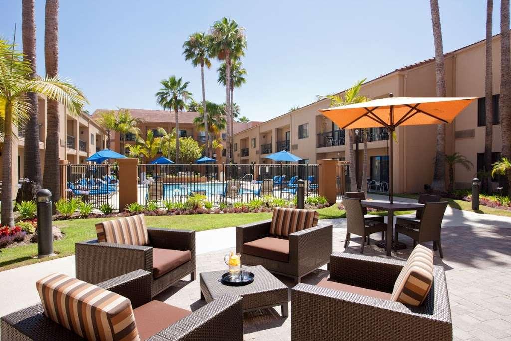 The Bistro – Eat. Drink. Connect.® - restaurant  | Photo 2 of 6 | Address: 1905 S Azusa Ave, Hacienda Heights, CA 91745, USA | Phone: (626) 965-1700