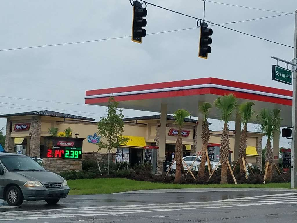 RaceTrac - gas station  | Photo 8 of 10 | Address: 2001 Saxon Blvd, Deltona, FL 32725, USA | Phone: (386) 561-2081
