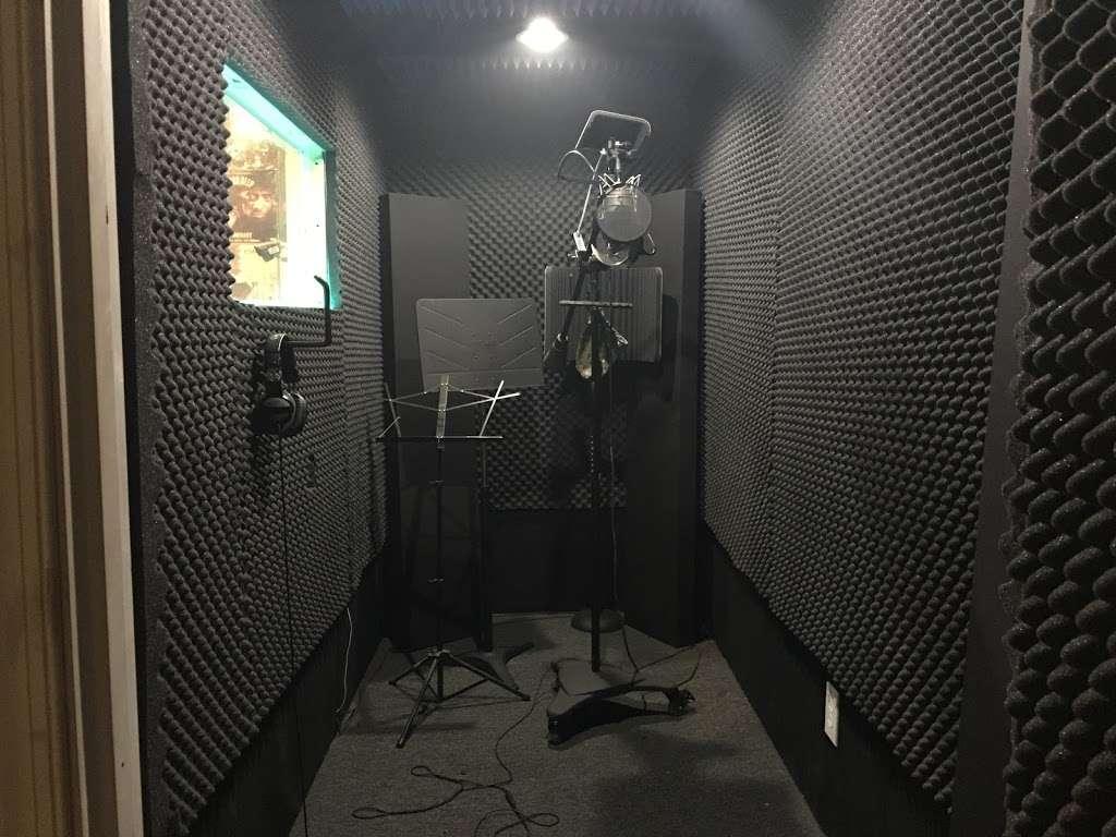 EBAN RECORDING | FILM STUDIOS - electronics store  | Photo 9 of 10 | Address: 934 W Patapsco Ave, Baltimore, MD 21230, USA | Phone: (443) 430-1764