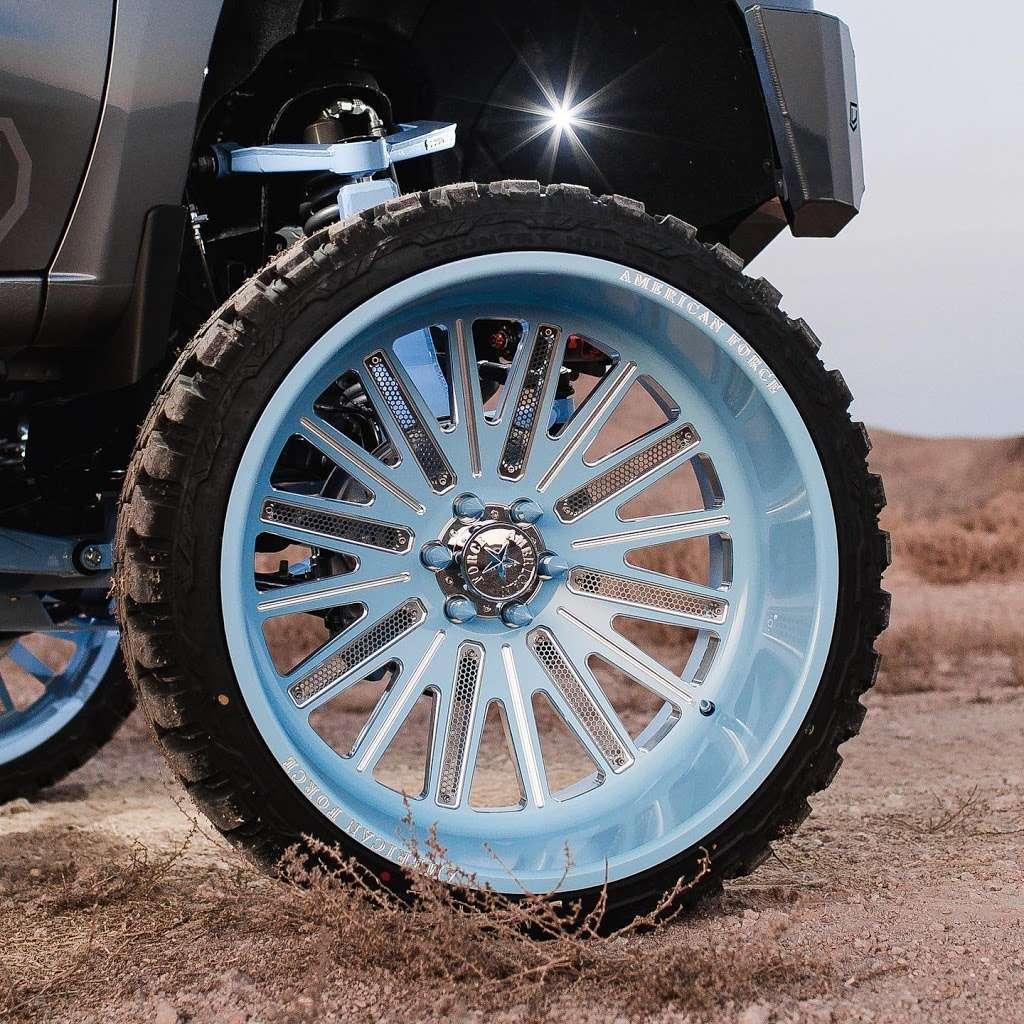 BRONCOS TIRE SHOP & WINDOW TINT - car repair  | Photo 3 of 10 | Address: 508 US-90, Dayton, TX 77535, USA