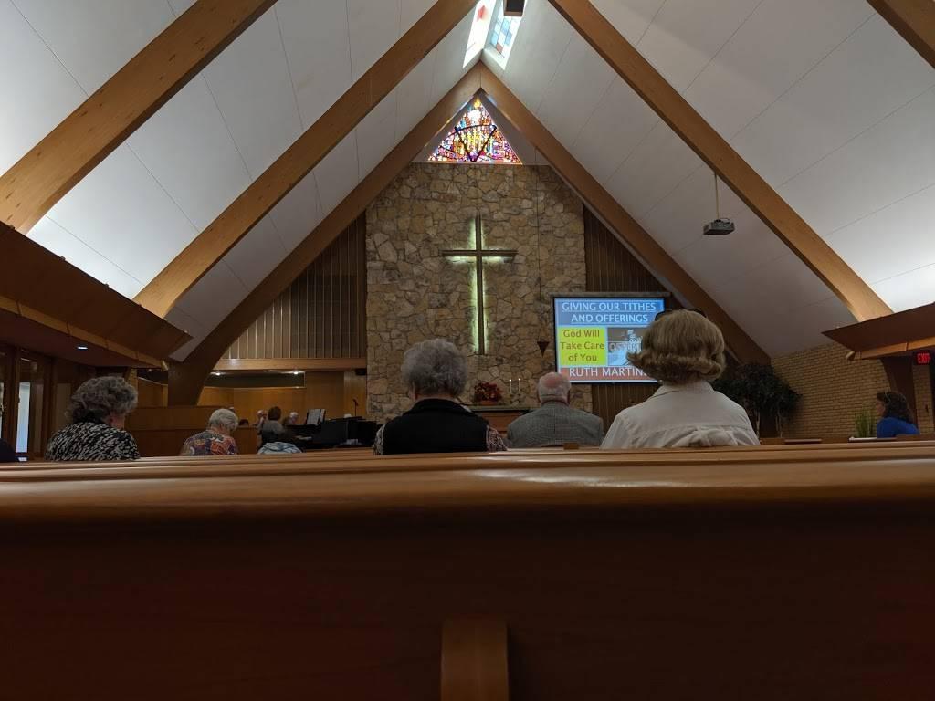 Mt. Vernon United Methodist Church - church  | Photo 1 of 6 | Address: 5701 E Mt Vernon St, Wichita, KS 67218, USA | Phone: (316) 684-6141