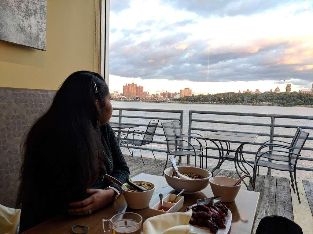 River House - restaurant  | Photo 4 of 8 | Address: 725 River Rd, Edgewater, NJ 07020, USA | Phone: (201) 917-5550