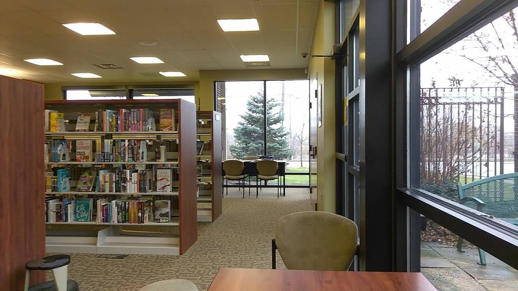 Locke Branch Library - library  | Photo 4 of 10 | Address: 703 Miami St, Toledo, OH 43605, USA | Phone: (419) 259-5310