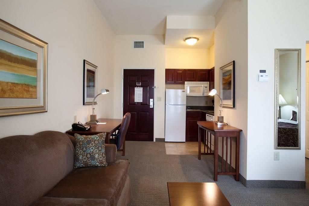 Staybridge Suites Baton Rouge-Univ at Southgate - lodging  | Photo 8 of 10 | Address: 4001 Nicholson Dr, Baton Rouge, LA 70808, USA | Phone: (225) 456-5430