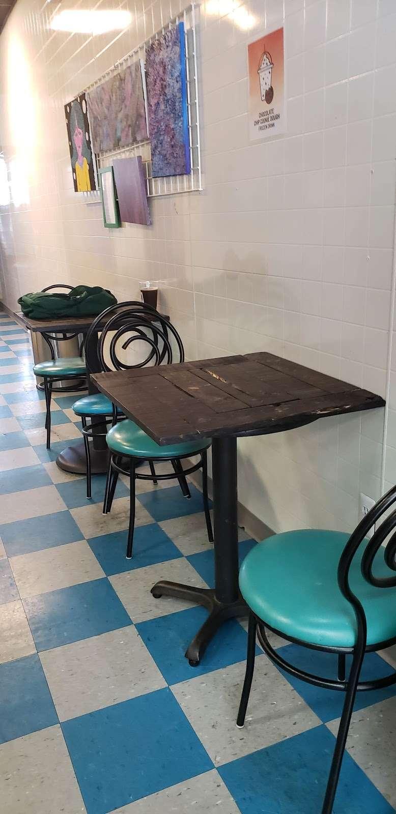 Stray Cat Brew - cafe  | Photo 7 of 10 | Address: 108 W Pleasant Ave, Maywood, NJ 07607, USA | Phone: (201) 682-6306