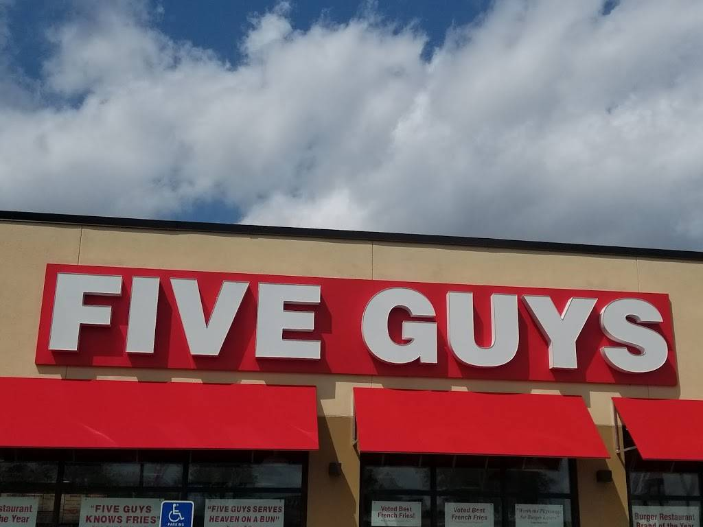 Five Guys - meal takeaway  | Photo 8 of 9 | Address: 1404 County Rd 42 W, Burnsville, MN 55337, USA | Phone: (952) 406-8673