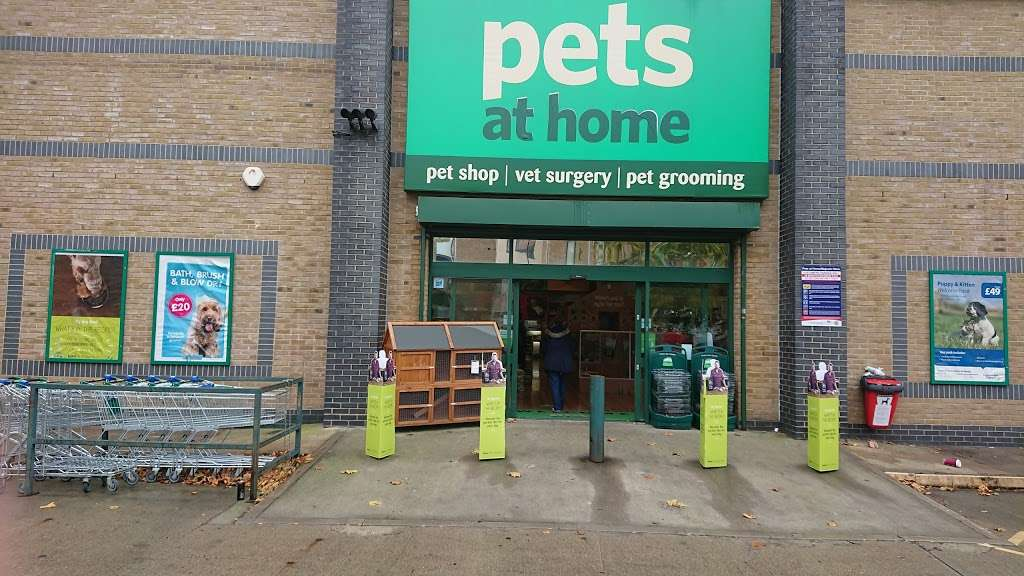 Pets at Home Brentford - pet store  | Photo 10 of 10 | Address: 2-10 London Rd, Brentford TW8 8JW, UK | Phone: 0345 600 9664