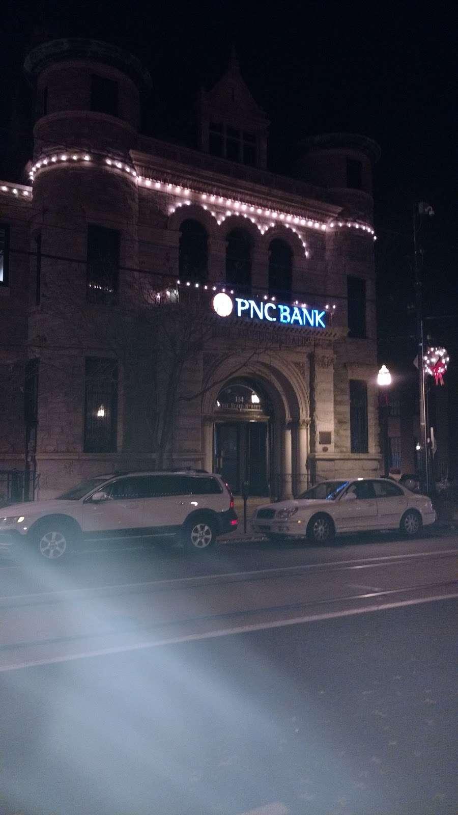 PNC Bank - bank    Photo 5 of 7   Address: 114 W State St, Media, PA 19063, USA   Phone: (610) 892-2650