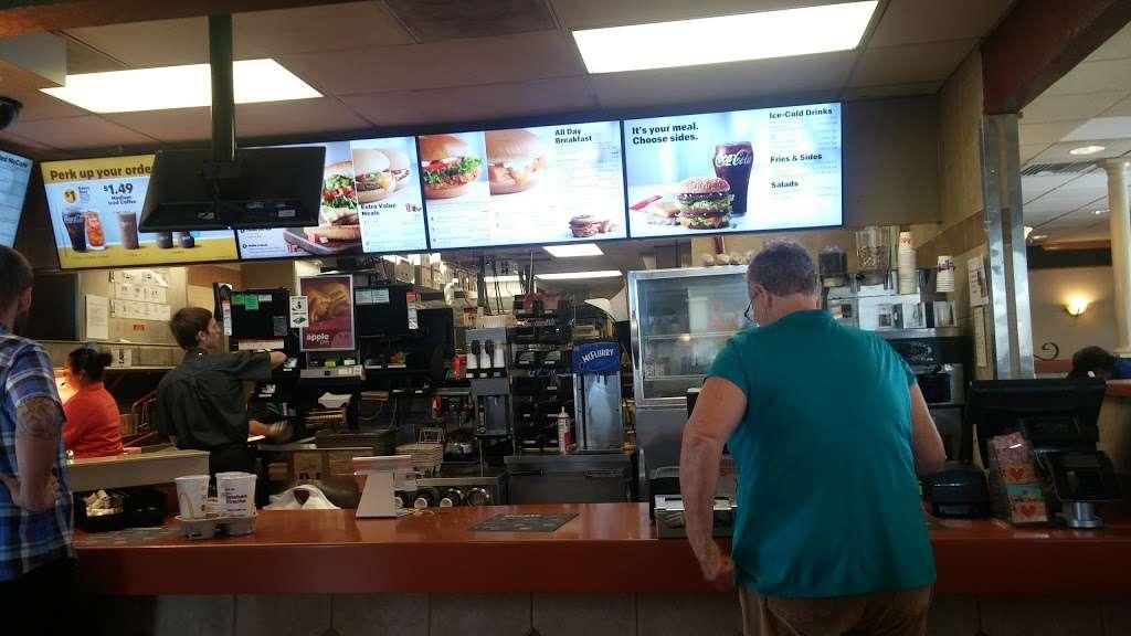 McDonalds - cafe  | Photo 8 of 10 | Address: 2665 S Alma School Rd, Mesa, AZ 85210, USA | Phone: (480) 897-0394