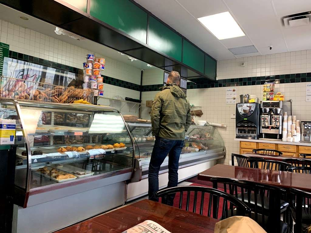 Goldbergs Bagels & Deli - bakery  | Photo 1 of 10 | Address: 777 Central Park Ave, Yonkers, NY 10704, USA | Phone: (914) 964-9224
