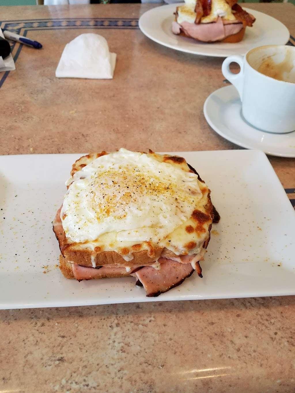 La Francesita Gourmet Bakery Cafe - cafe  | Photo 6 of 10 | Address: 9550 Woodlands Pkwy, The Woodlands, TX 77382, USA | Phone: (281) 298-9684