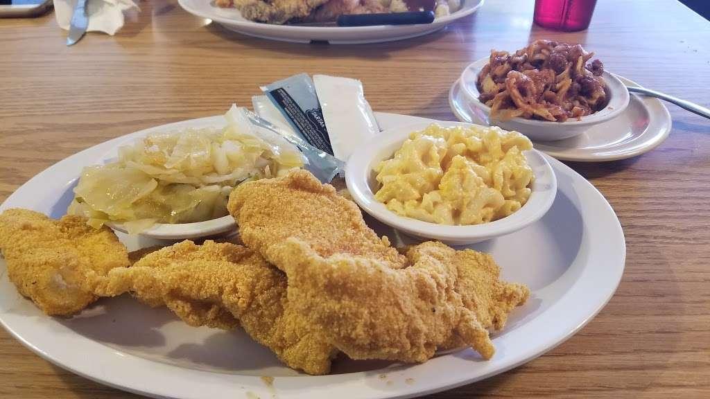 Kings Table Soul Food - restaurant    Photo 10 of 10   Address: 3626, 5932 Prospect Ave, Kansas City, MO 64130, USA   Phone: (816) 444-0779