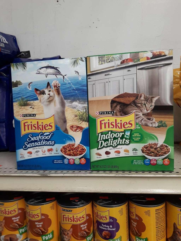Castillo Deli Food Corp. - store    Photo 1 of 1   Address: Herriot St, Yonkers, NY 10701, USA